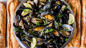 beer-cooked mussels & (a few) clams too