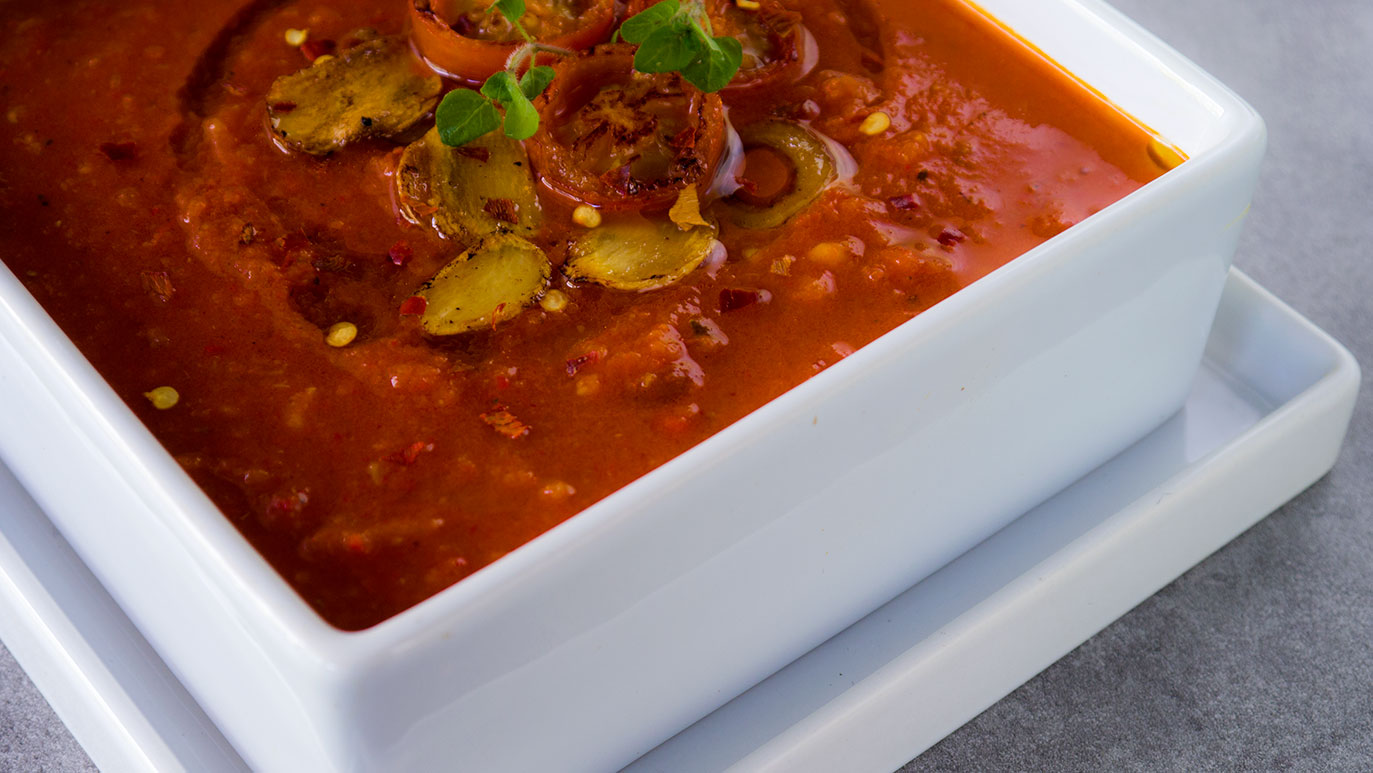i already miss summer : spicy roasted red pepper & tomato soup