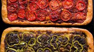 red tomato pizza-pie & green pepper pizza-pie