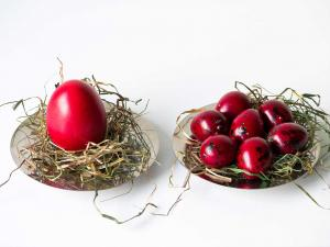 red quail eggs for easter