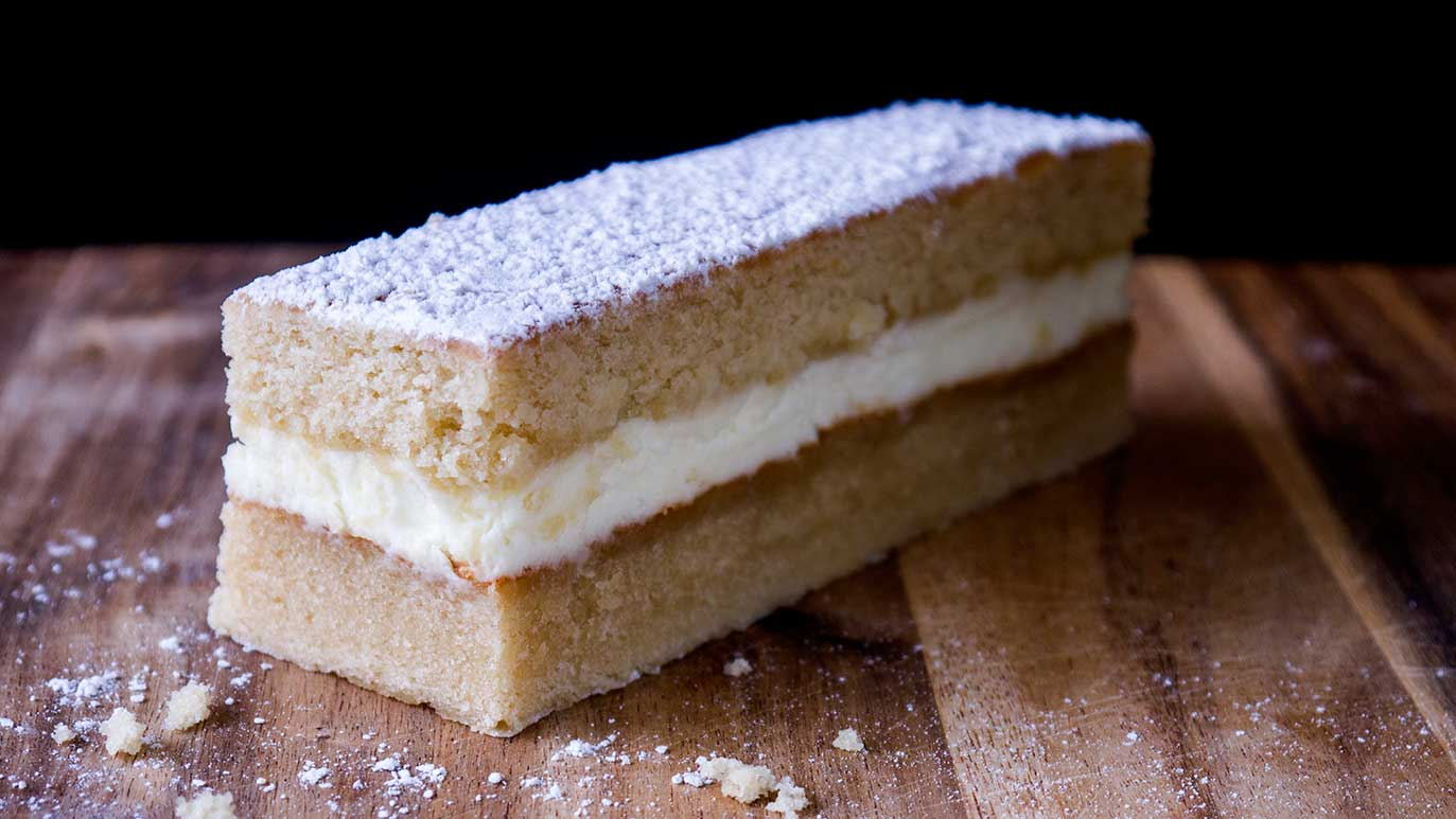 hot milk & vanilla cakes with mascarpone & cream filling