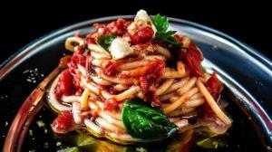 cold pasta salad starter with 'the freshest hand-crushed & no-cook heirloom tomato sauce'