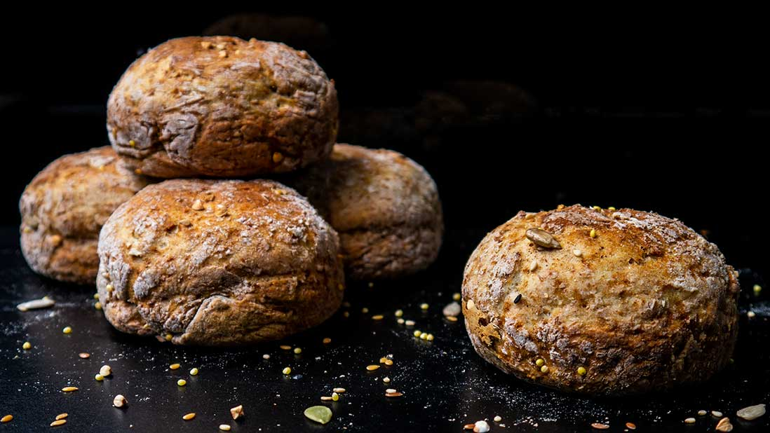 wholewheat & kefir 'irish-mediterranean' soda bread & buns