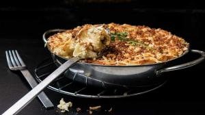 macaroni & roquefort 'blue cheese' casserole