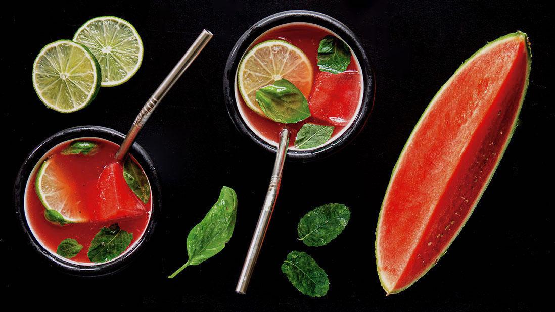 cocktail glacé & pétillant au granité de pastèque & gin