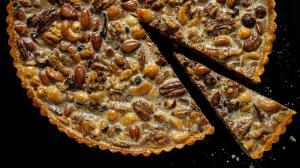 tarte aux noix mixtes rôties & caramel au lait