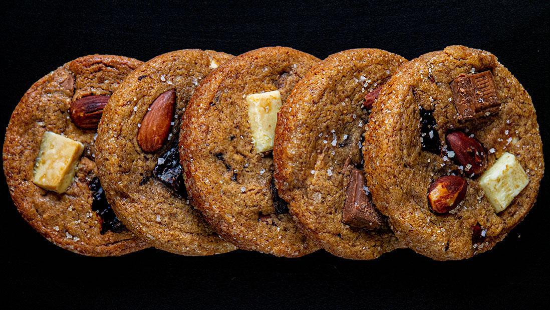 cookies épais & moelleux aux gros morceaux de chocolat & amandes rôties