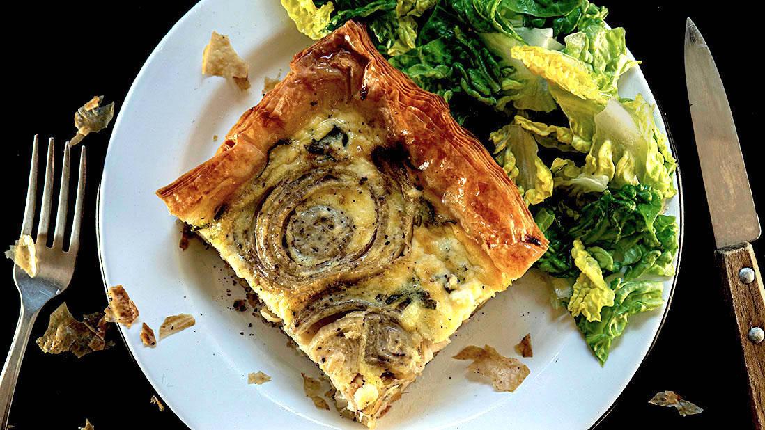 tarte croustillante & crémeuse aux oignons & fromage