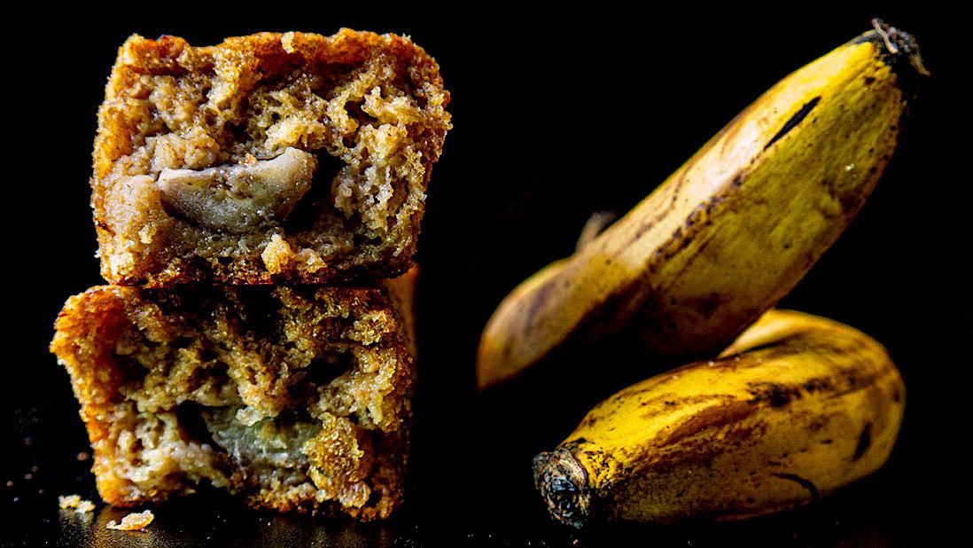 tropical banana bread (with pineapple & coconut & lime & ginger & vanilla & cardamom)