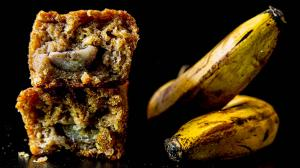 cake tropical aux bananes (avec ananas & noix de coco & citron vert & gingembre & vanille & cardamome)