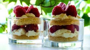 shortcake à la framboise et à la rose avec du kadaif