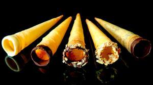 cônes roulés de brik pour la crème glacée